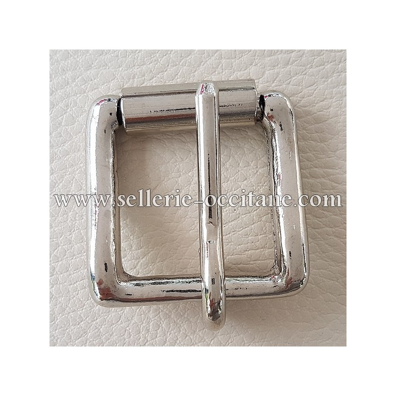 Buckle in S with roll